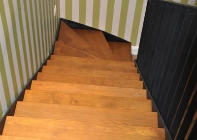 metalen trap met hout 4