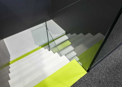 Arctic Wall: zwevende trap composiet bovenzicht