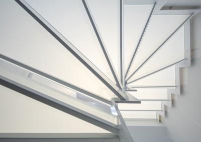 Glossy Glass: trap met glas afwerking onderzijde